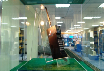 Макет первого сотового телефона, Музей истории связи, фото pr.uz