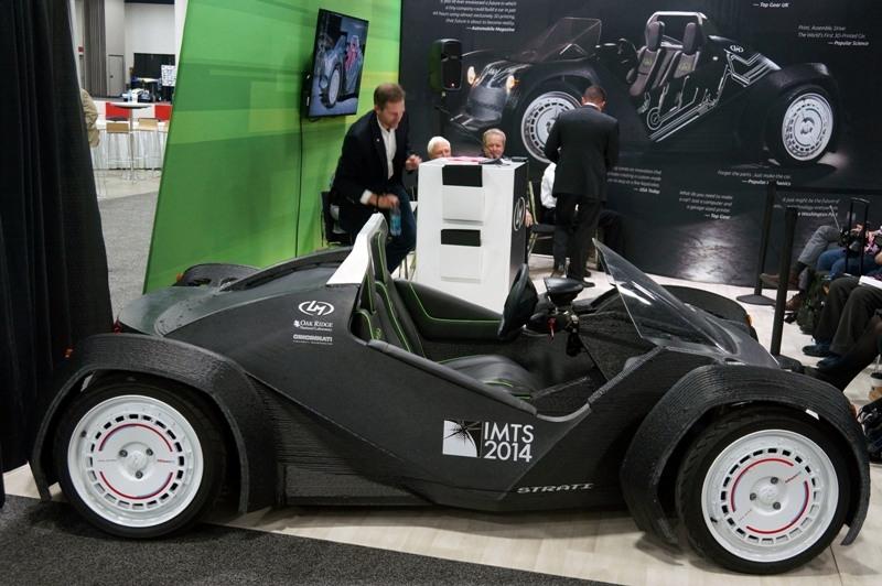 Напечатанный на 3D-принтере двухместный электрокар Strati от компании Local Motors, фото caranddriver.com