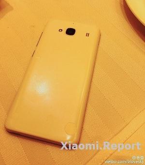 Предполагаемый внешний вид нового бюджетного смартфона от Xiaomi. Источник: Weibo